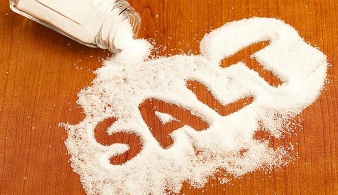5-tanda-tubuh-anda-kelebihan-konsumsi-garam